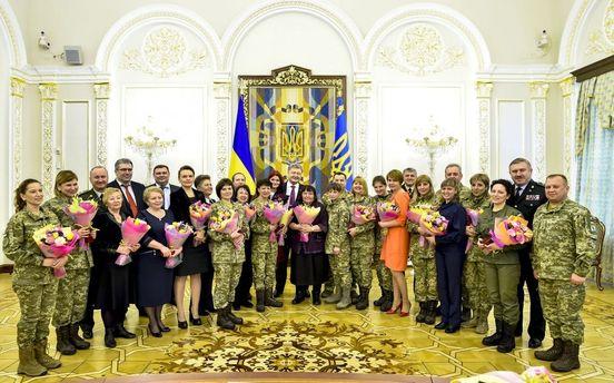 Президент: в2015-м году две тысячи женщин получили статус участника военных действий