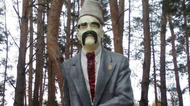НаЛуганщине бойцы АТО «декомунизувалы» Ленина вТараса Шевченко