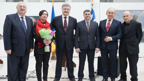 Петро Порошенко з лауреатами Шевченківської премії