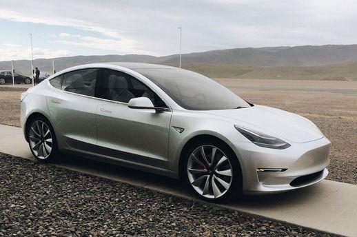 Владелец Tesla вернул угнанную машину спомощью  телефона