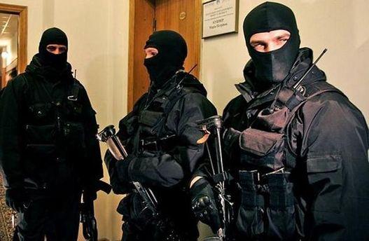 Улиц изокружения Януковича прошли обыски