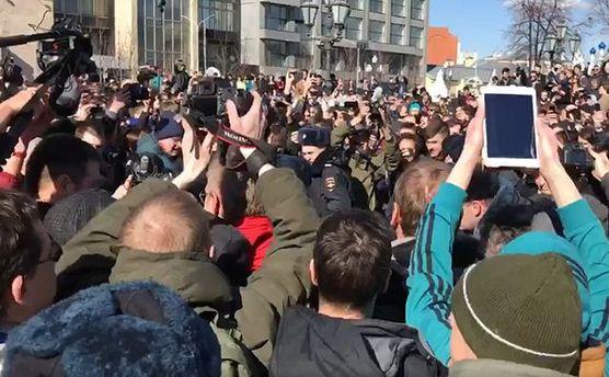 Полиция задерживает активистов в Москве