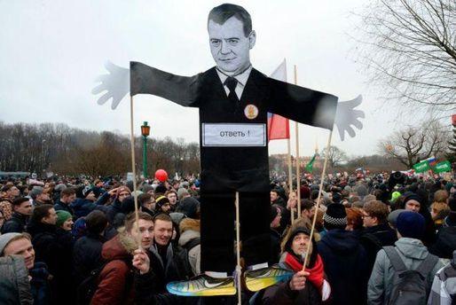 Чим важливі протести у Білорусі та Росії для України