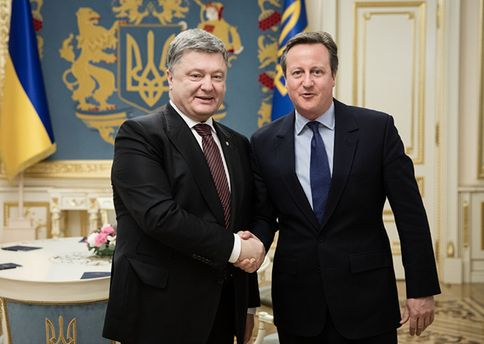 Порошенко обсудил сКэмероном вопросы противодействия русской агрессии наДонбассе