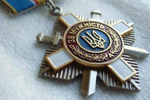 Сестра погибшего вИл-76 десантника возвратила Порошенко орден брата