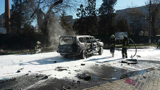 ВМариуполе взорвался автомобиль своенным