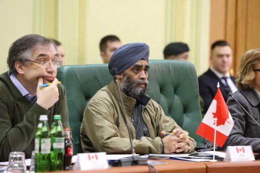 Следующим шагом сотрудничества между Канадой и Украинским государством будет открытие рынка оружия,— Саджан