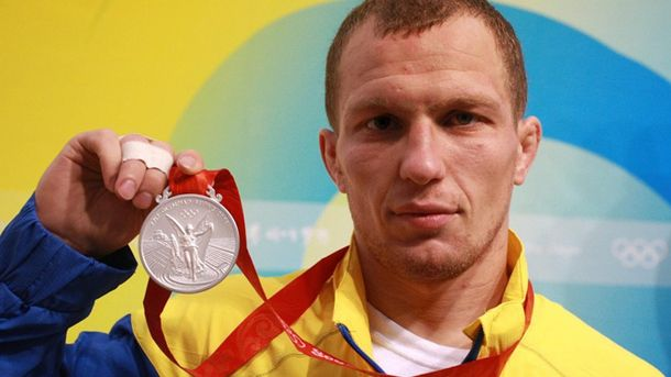 Штангистка Царукаева лишена серебряной медали английской Олимпиады