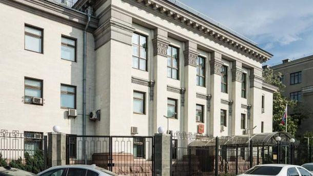 ВКиеве милиция приостановила нетрезвого сотрудника русского консульства