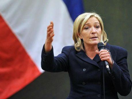Кандидат впрезиденты Франции ЛеПен пообещала вывести страну изЕС