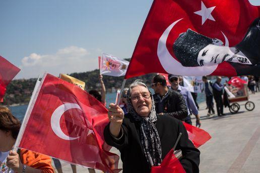 Нареферендумі вТуреччині лідирують прихильники Р.Ердогана