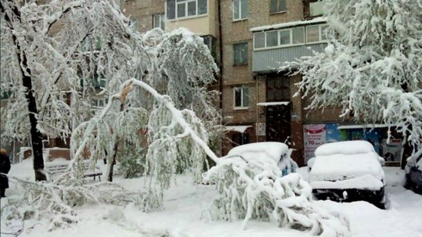 Через сніг уЗапоріжжі закрили школи