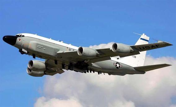 США провели авіарозвідку біля російських військових баз