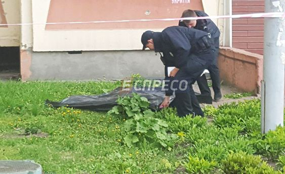 ВКиеве мужчина после ссоры ссыном выбросился с16-го этажа