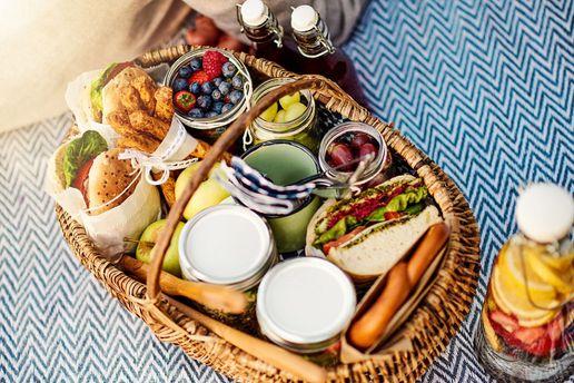 Меню на пікнік: 14 рецептів страв, які можна приготувати на природі