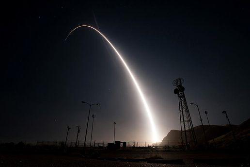 США провели випробування міжконтинентальної ракети Minuteman III: відео