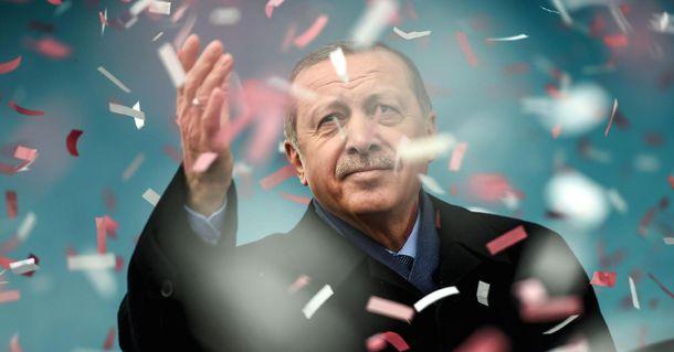 ЦИК Турции признал одобренными поправки вконституцию
