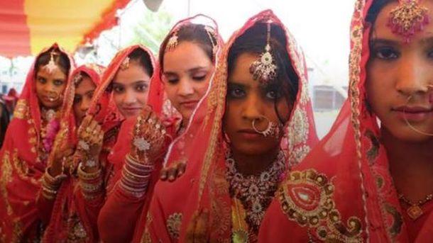 Бита для защиты— лучший свадебный подарок вИндии