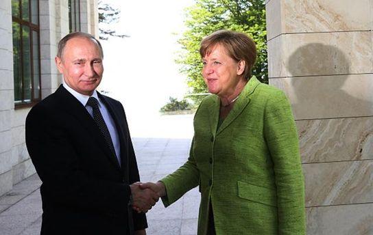 А.Меркель: Украина должна получить доступ к собственной границы наДонбассе