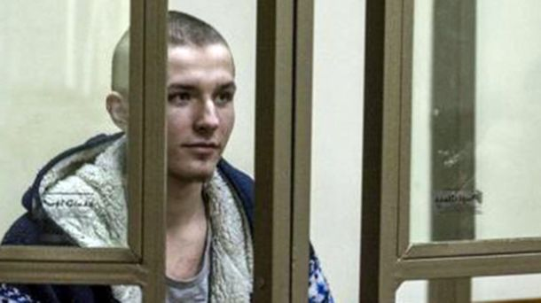 Объявившему голодовку украинцу Артуру Панову впроцессе совещания суда вызвали скорую помощь