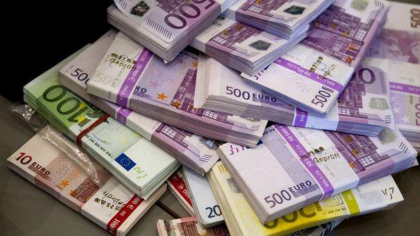 Євро почало рости