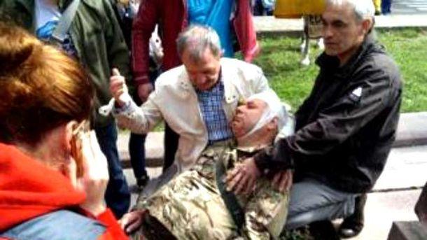 Двух ветеранов госпитализировали