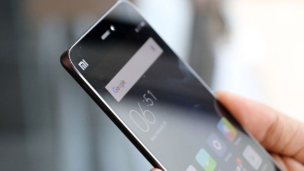 Xiaomi Mi6 погнули, поцарапали иподожгли