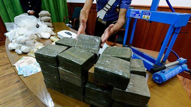 Милиция Испании задержала судно с 2-мя тоннами кокаина наборту