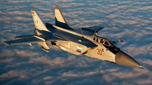 Російський винищувач знову небезпечно наблизився до літака США біля Криму