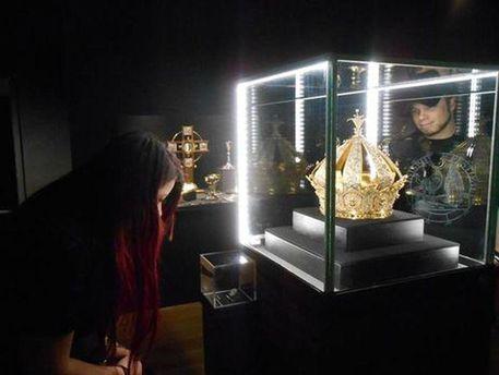 УФранції змузею викрали корону XIX століття вартістю мільйон євро