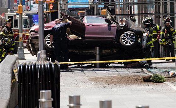 Погибшей в ужасной трагедии наТаймс-сквер оказалась 18-летняя туристка