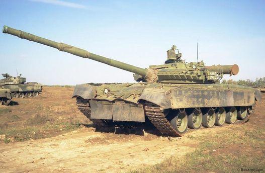 Десантникам уАТО відправлять «танки-красені» Т-80,— Порошенко