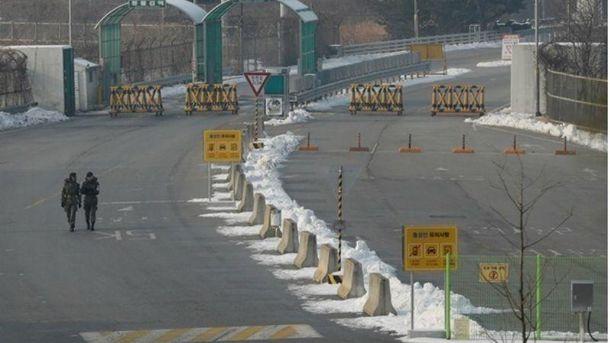 Південна Корея відкрила попереджувальний вогонь у бік КНДР