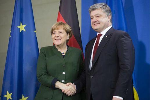 Меркель скликає на спільну зустріч Порошенка, Путіна та Макрона