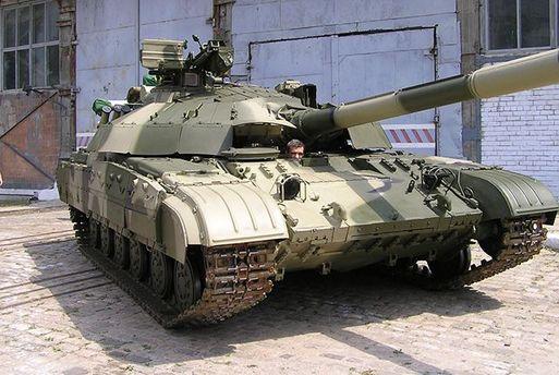 Солдатам наДонбасс передали полсотни отремонтированных танков из«горячих точек»