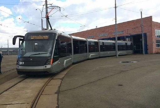 Швидкісний трамвай злетів зрейок