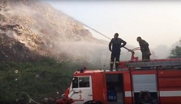 НаПолтавщині вже другу добу горить сміттєзвалище: опубліковано відео