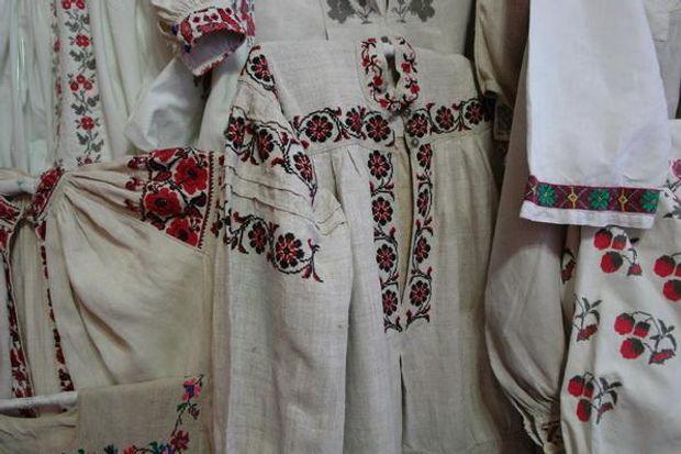 Миколаївські вишиванки – зі своєрідними горловинами