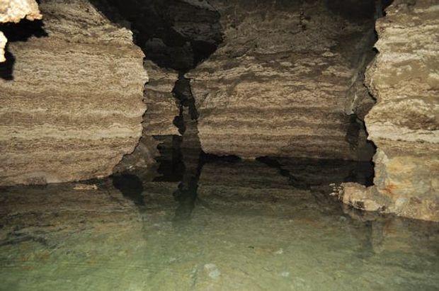 Печери Баламутівська та Попелюшка потрапили до списку 11 печер, які вразять кожного