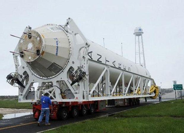 Ракета, Україна, США