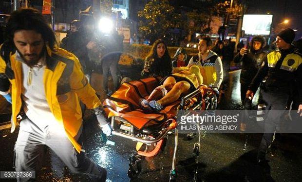 Террористы вкостюмах Санта-Клаусов расстреляли 39 человек вклубе вСтамбуле