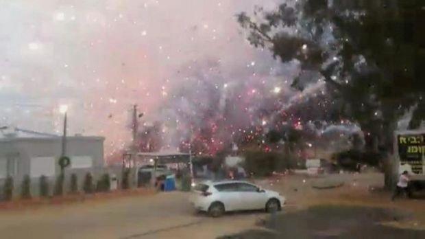 ВИзраиле впожаре наскладе пиротехники погибли два человека