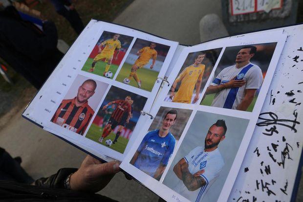 Хорватский поклонник осчастливил украинку прямо натрибунах впроцессе матча