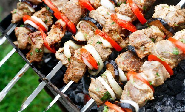 Як замаринувати м'ясо на шашлик