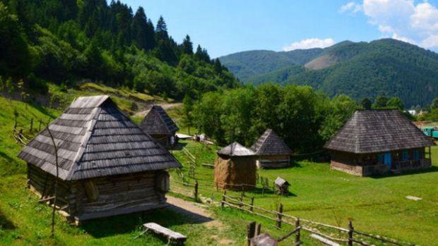 Травневі вихідні 2017 в Україні