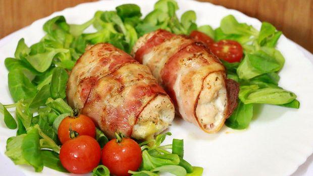 Рулеты из курицы и бекона на мангале