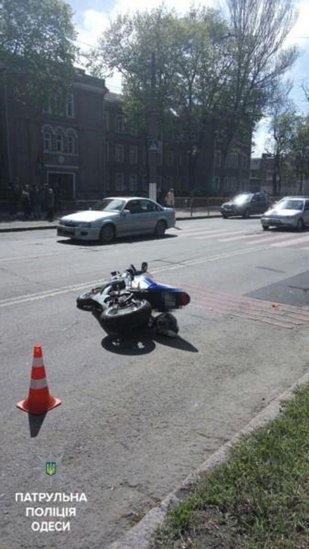 Мотоцикліс врізався у групу дітей
