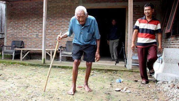 Помер найстаріший чоловік на світі
