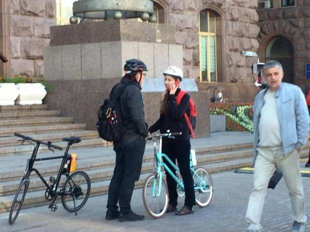 Уляну Супрун з чоловіком на велосипедах бачили під КМДА