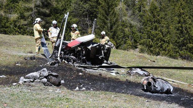 Фото з місця аварії вертольота в Альпах